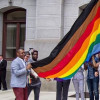 AGREGAN DOS COLORES A LA BANDERA GAY
