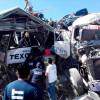 Siguen internadas dos personas por accidente de autobuses en Tepetlaoxtoc
