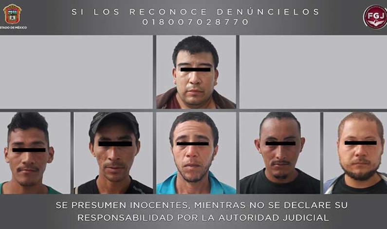 Capturan en Ecatepec a presunto traficante de personas y seis hondureños