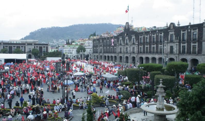 Paraliza Antorcha Campesina calles de Toluca