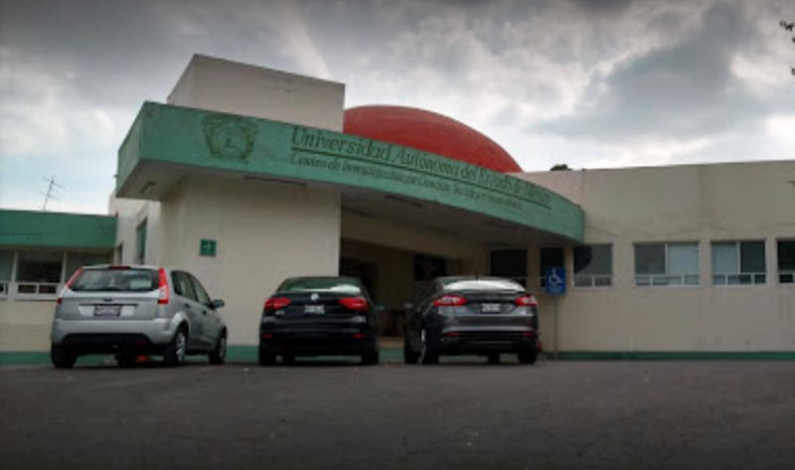 """Por """"inútiles"""", clausura UAEM centros de investigación y desaloja directores, investigadores y personal"""