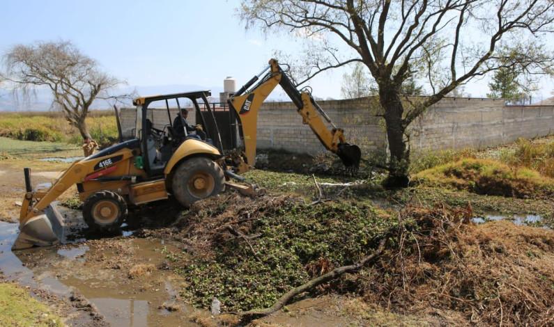 Previene Metepec inundaciones con trabajos de desazolve