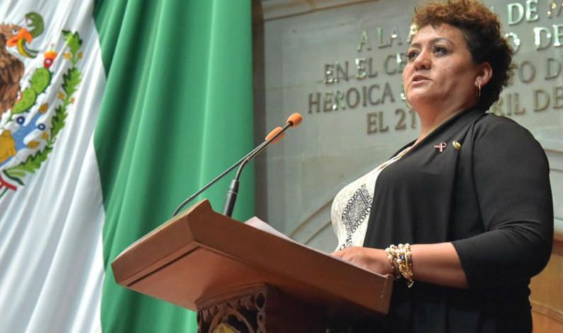 Diputada renuncia a Morena y se refugia en el PRD