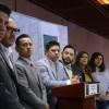 Renuncian 8 diputados del PRD y su coordinador