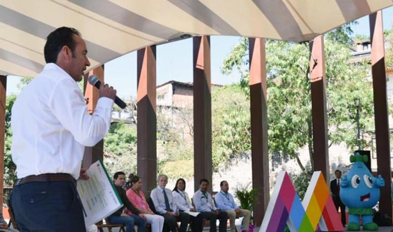 Llama Mauricio Osorio a conservar los bosques para producir agua
