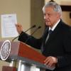 Firma AMLO compromiso de no reelección para el 2024