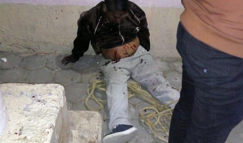 Tunden a golpes y queman vivo a presunto secuestrador en Tianguistenco