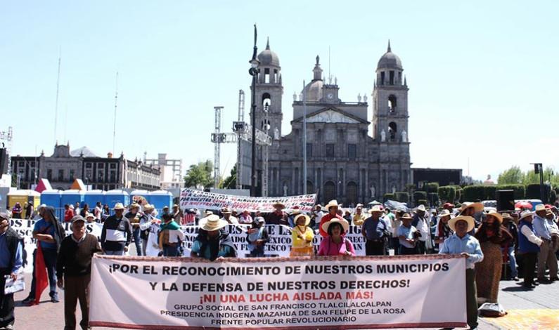 Bloquean avenidas para exigir crear municipios indígenas