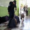 Desde armas blancas hasta drogas encuentran en mochilas de estudiantes