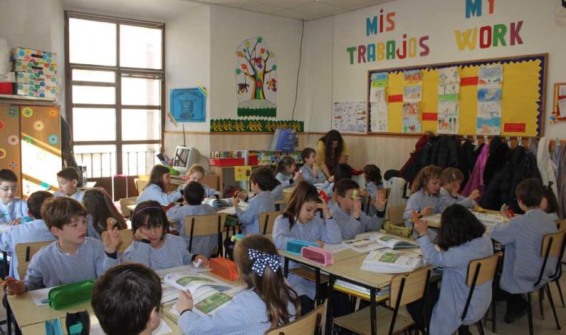 Niños de primero y segundo de primaria aprobarán con sólo asistir a clases