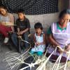 Luchan por preservar el tejido de palmas para Domingo de Ramos
