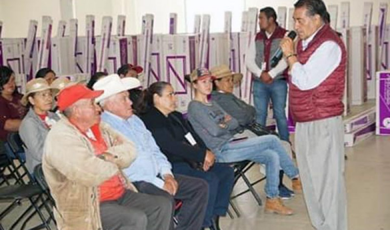 Más familias beneficiadas con apoyos sociales en Almoloya de Juárez