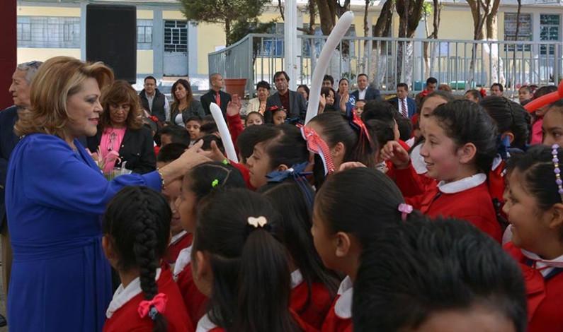 Apoya Atizapán de Zaragoza con becas a 8 mil 559 estudiantes