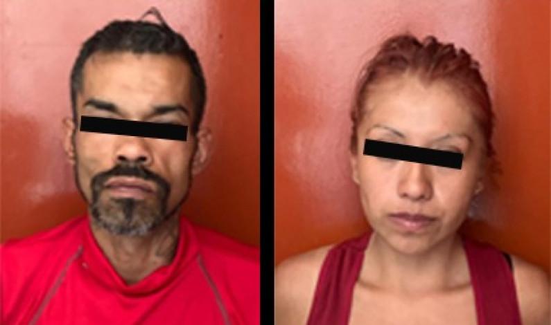 """Atrapan violenta pareja que asaltaba con """"fierro"""" en mano"""