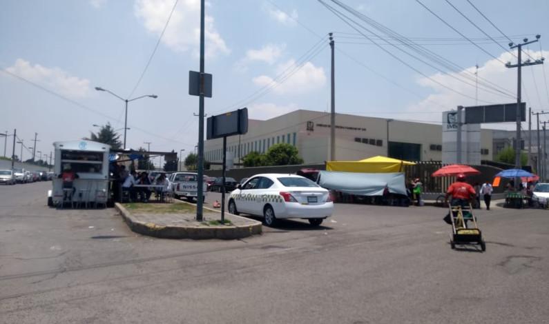 Limpiarán de ambulantes la zona de hospitales, en Toluca