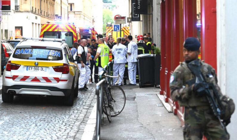 Explosión en pleno centro de Lyon hiere a por lo menos 8 personas