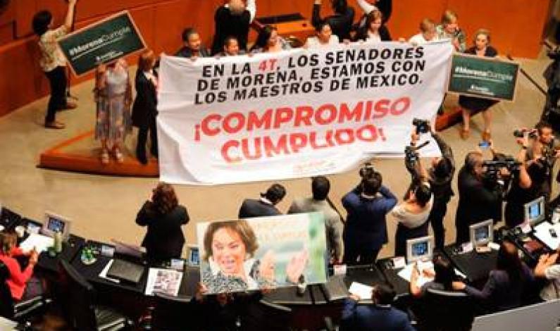 """""""Ahora sí"""" aprueban Reforma Educativa en el Senado"""
