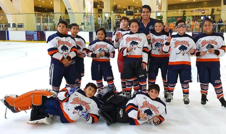 Búfalos Metepec el mejor en Hockey sobre Hielo
