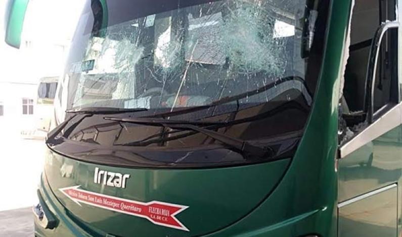 """Devuelven """"estudiantes"""" de Tenería 44 autobuses que se robaron"""