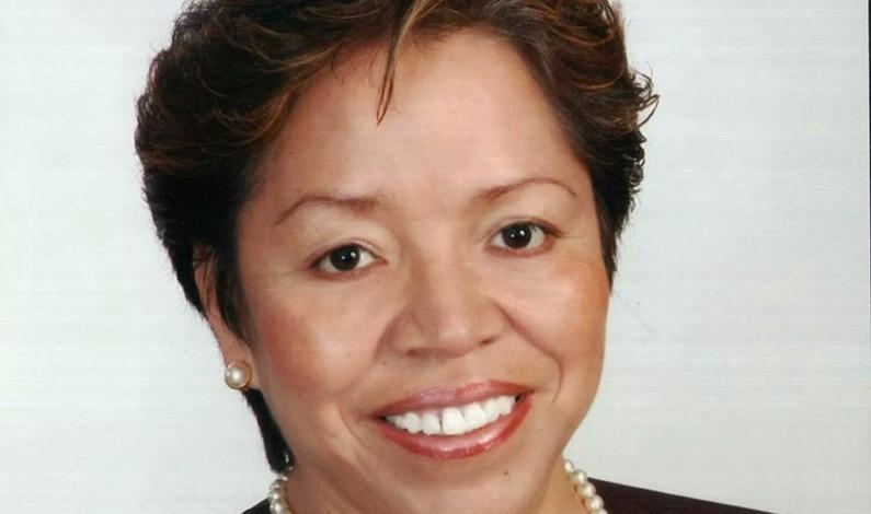 """La maestra """"Trini"""" y Ana Yurixi se suman al Partido del Trabajo"""