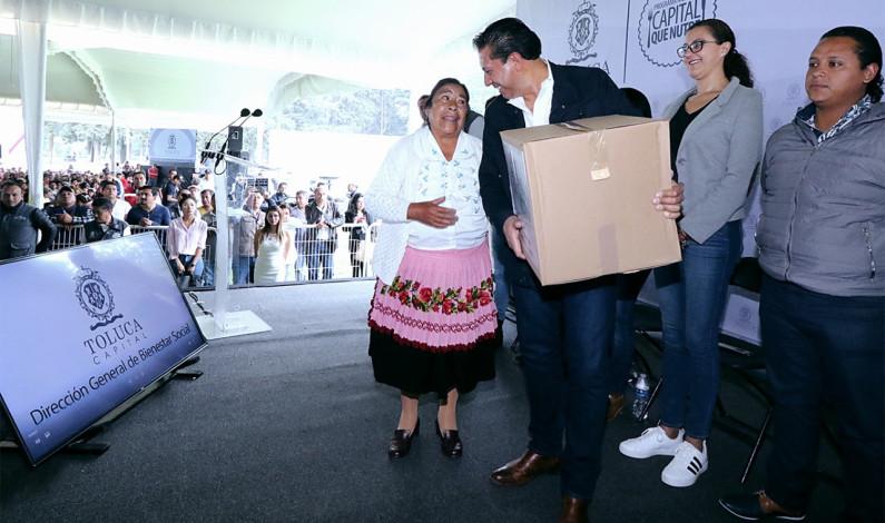 Apoya Toluca economía de 15 mil familias