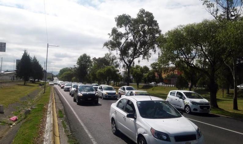 Taxistas mexiquenses rechazan plataformas digitales