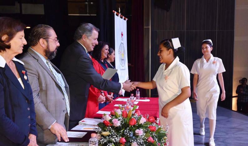 Se gradúan 36 enfermeras y enfermeros en Cruz Roja Naucalpan