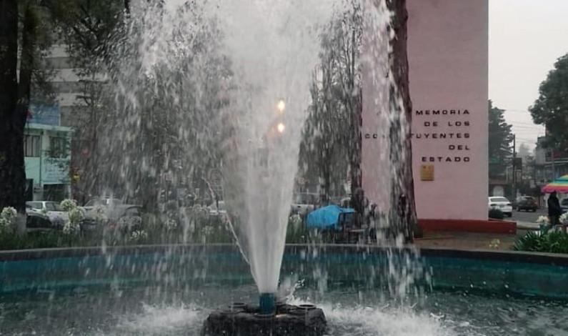 Dejan limpias y bellas las fuentes de Toluca