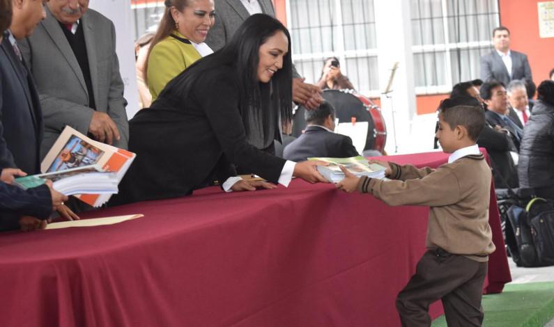Regresan a clases más de 50 mil alumnos en Metepec