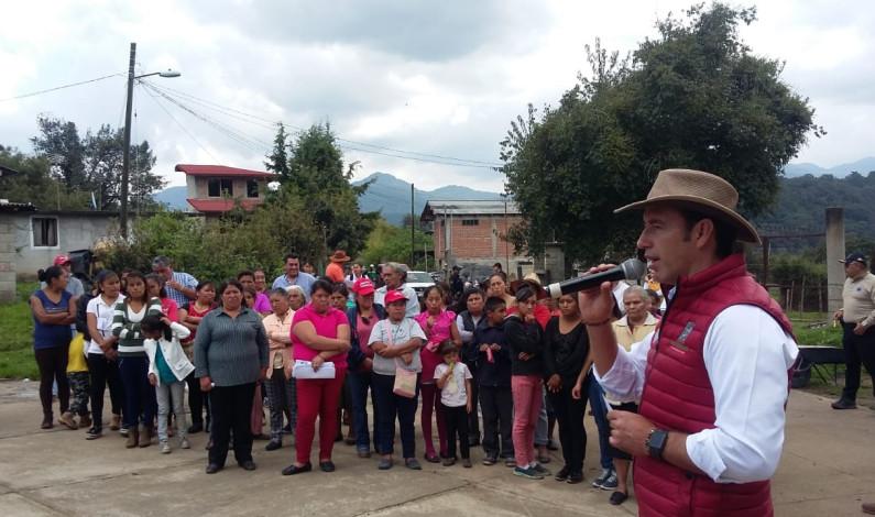 Apoyan a familias de Valle de Bravo afectadas por granizada
