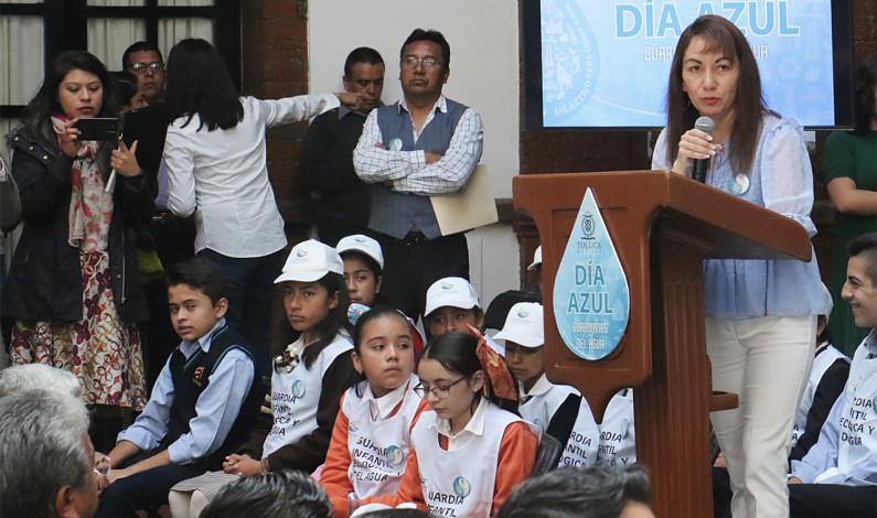 Emprende Toluca lucha frontal a favor del agua con el Día Azul