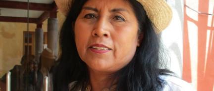 Exigen derecho de indígenas a educación bilingüe y pluricultural