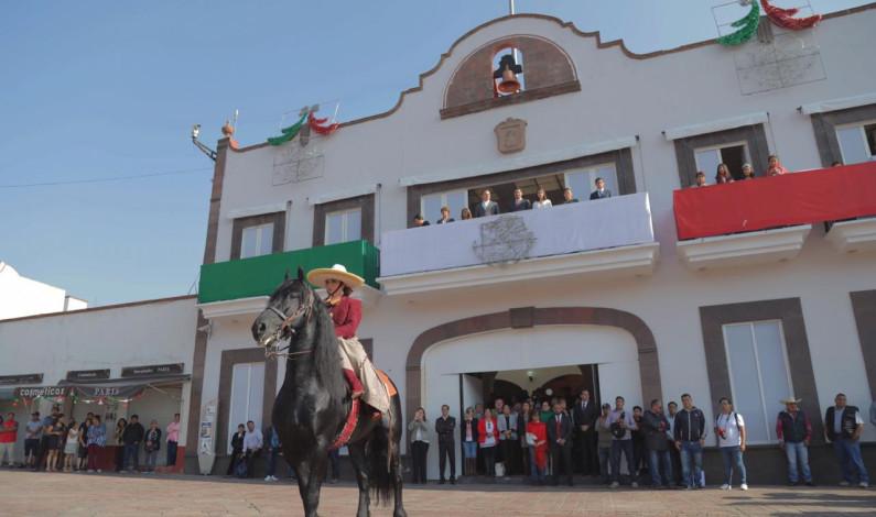 Intensa celebración de las Fiestas Patrias en Metepec