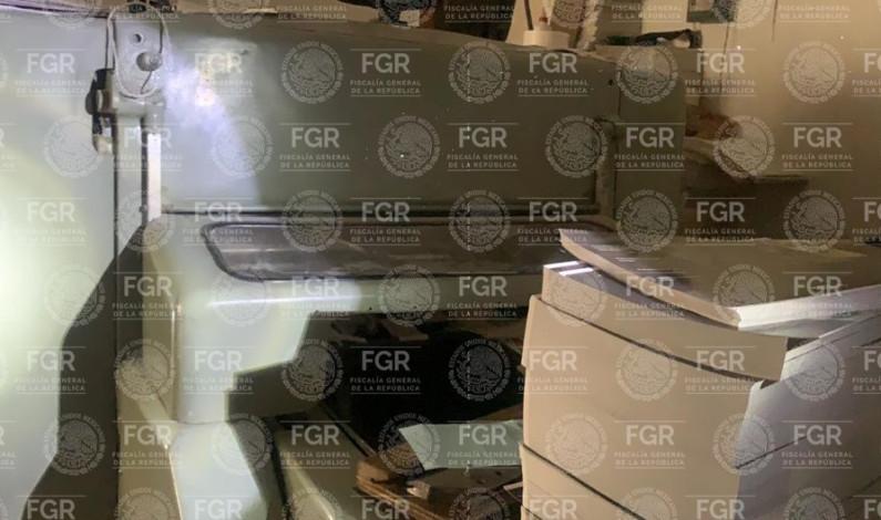 "Desmantela FGR impresora de libros ""pirata"""
