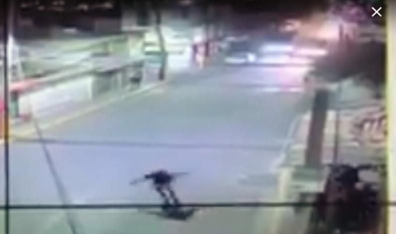 Deja dos muertos y dos heridos balacera en paradero de autobús