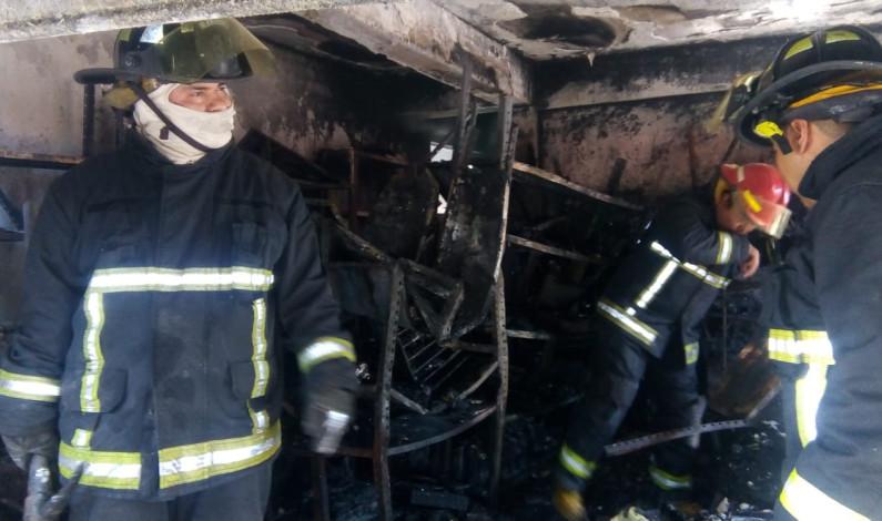 Muere mujer en incendio de tlapalería en Ecatepec