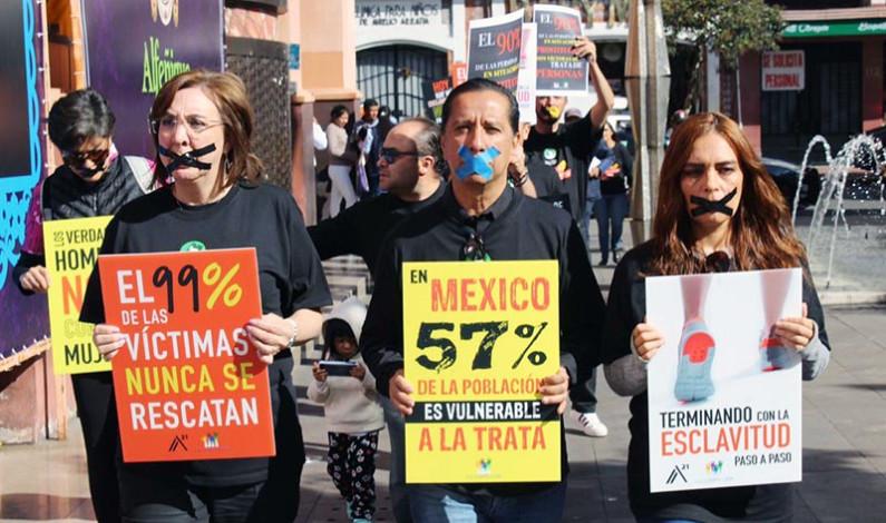 Encabeza Jorge Olvera marcha contra trata de personas