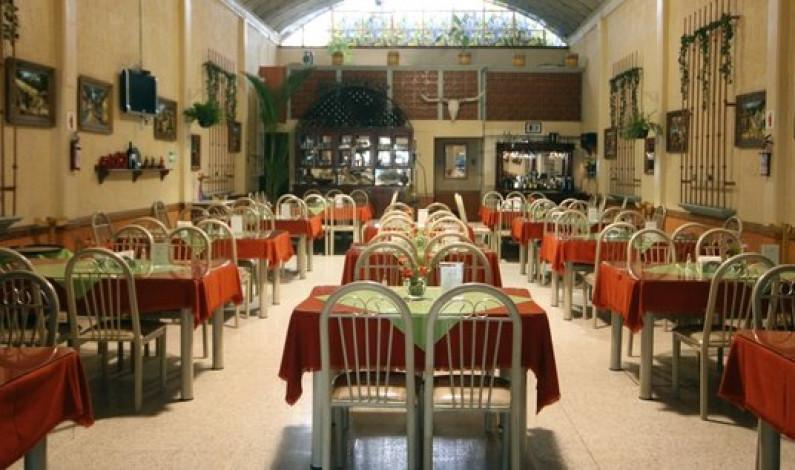Sobreviven pocos restaurantes por falta de personal capacitado