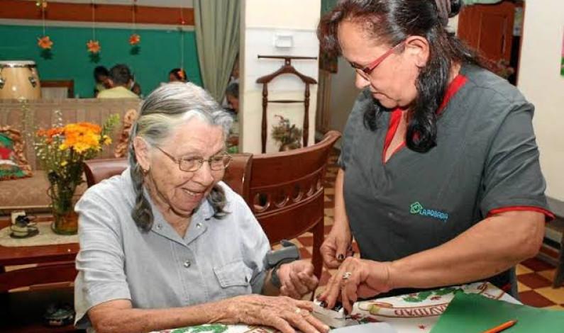 Capacitará ICATI especialistas en cuidar adultos mayores