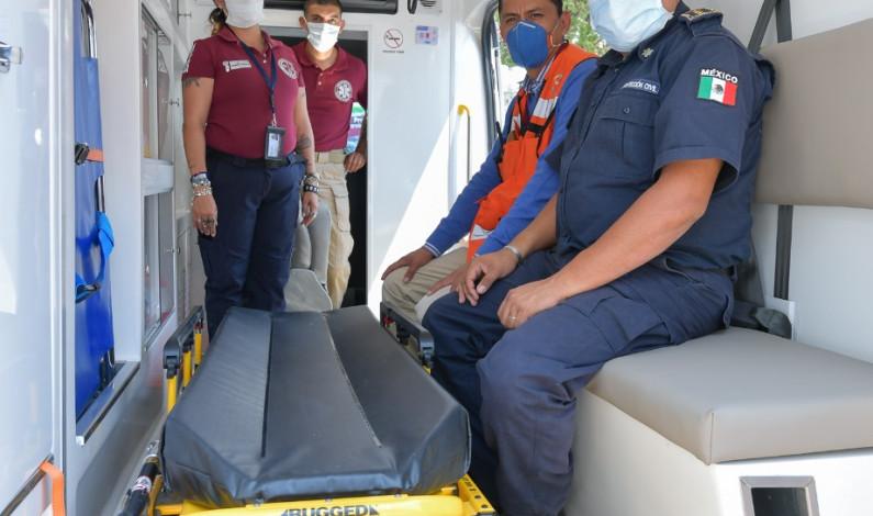 Dona Cruz Roja ambulancia a Atizapán de Zaragoza