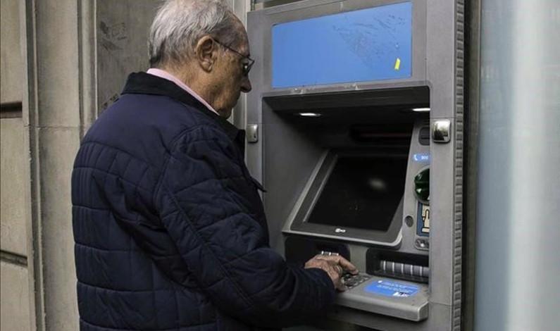 Resultó poco práctico el pago con tarjetas a pensionados del Issemym