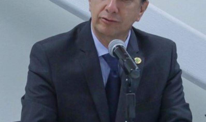 Advierte Jorge Olvera daño colateral a niños por confinamiento social