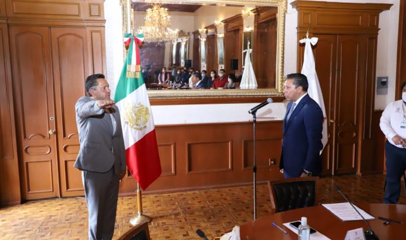 Retoma Ricardo Moreno a la Secretaría del Ayuntamiento de Toluca