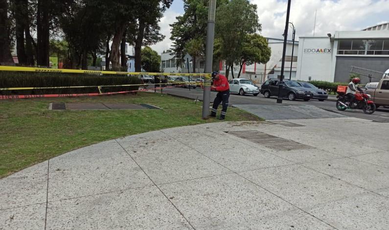 Permanecen cerrados parques y jardines de Toluca