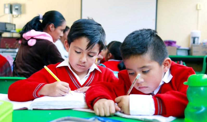 Ofrecen becas educativas a estudiantes mexiquenses