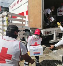 Voluntarios de Cruz Roja Edomex distribuyeron más de 2 mil despensas en zonas inundadas de Tabasco
