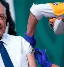 Se vacunó contra COVID-19 el Presidente López Obrador
