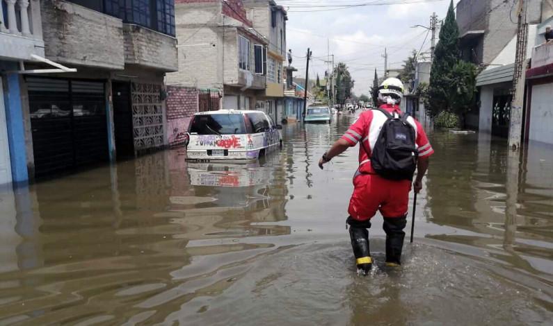 Evalúa daños Cruz Roja Mexicana en zona afectada por inundación en Ecatepec